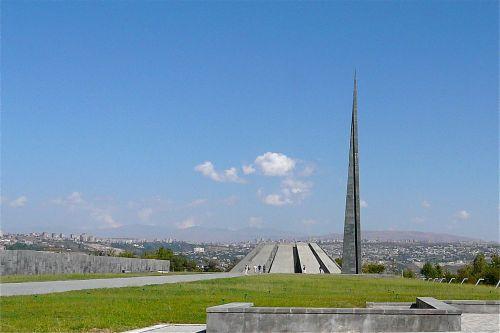 1280px-Armenian_Genocide_Memorial_-_Yerevan_(2903020364)