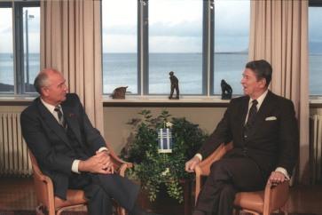gorbachev_and_reagan_1986-2